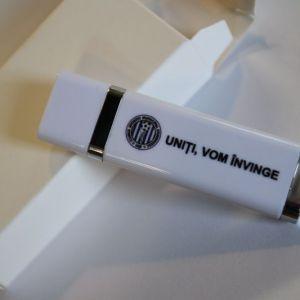 Memorie USB din plastic cu capac 8 GB