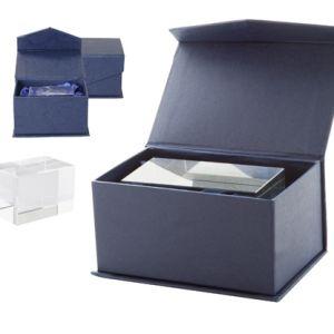 Ideal pentru gravura 3D, ambalat in cutie magnetica albastra, din carton cadou Macon personalizate