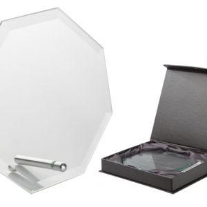 Trofeu octogonal din sticla cu suport metalic in cutie neagra de cadou Nelum personalizate