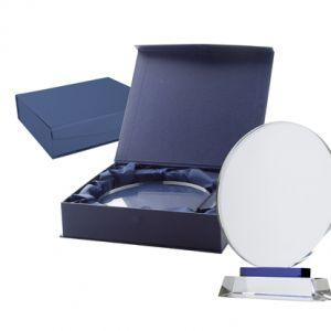 Trofeu cristal pe suport din sticla in cutie albastra magnetica din carton, interior din matase Tournament personalizate